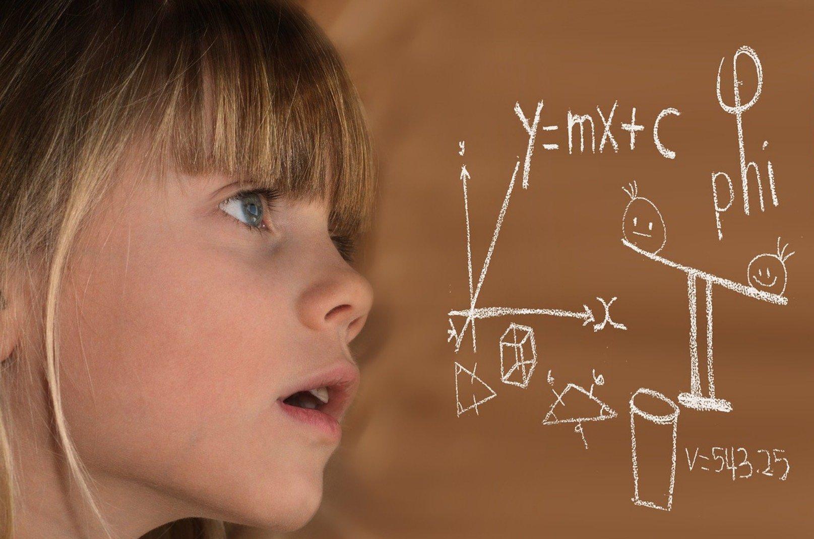 4 maneiras de estimular o raciocínio lógico infantil e a matemática