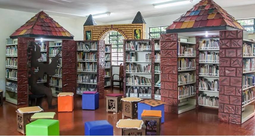 Ambiente encantado da biblioteca Hans Christian Andersen