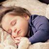 Ler antes de dormir: 10 motivos para incorporar o hábito ao ritual do sono