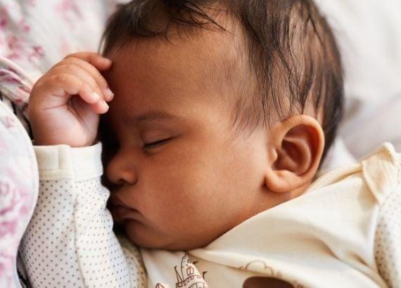 cólicas em bebês como lidar