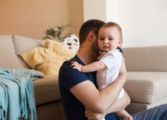 cólicas em bebês recém nascidos