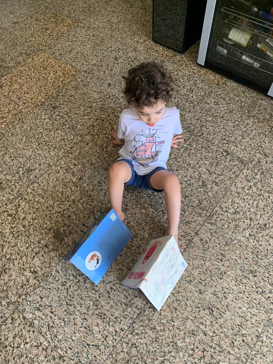 clube de livros infantis Quindim