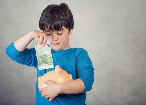 como ensinar educação financeira infantil
