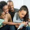 Ler em família: essas trocas formam leitores?