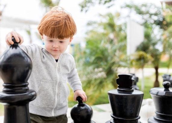Como ensinar xadrez para crianças e seus beneficios