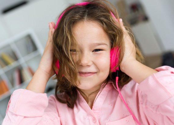 7 brincadeiras com música