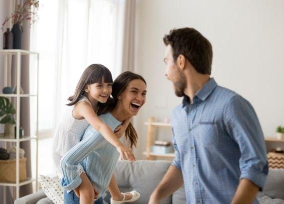 Conheça brincadeiras para fazer em casa com crianças até 12 anos
