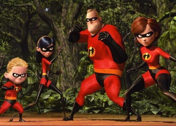 Filmes de comédia infantil sobre família. Os incríveis da Disney Pixas. Mulher Elástica, Sr. Incrível, Flecha e Violeta