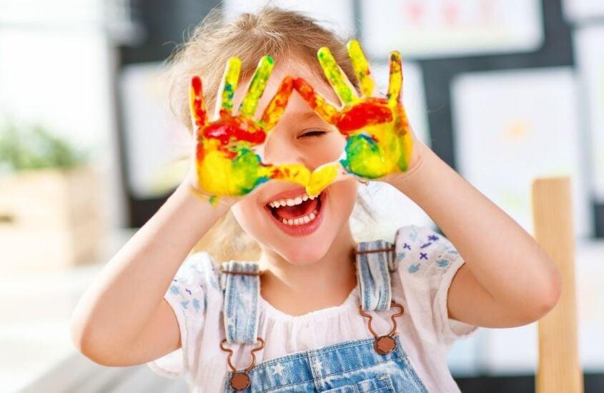 A importância da pintura na educação infantil: entenda porque você deve deixar seu filho pintar, rabiscar e desenhar à vontade