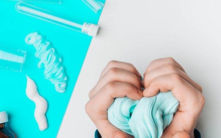 Como fazer slime em casa. 7 receitas imperdíveis para fazer slime caseiro