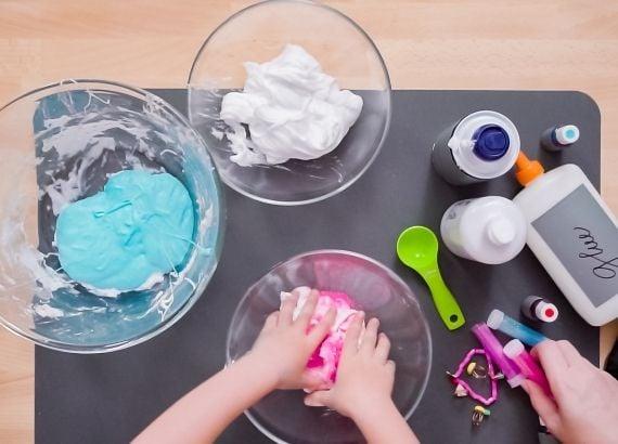 Como fazer slime em casa. Receita de slime