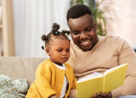 Como contar histórias para bebês de 0 a 2 anos