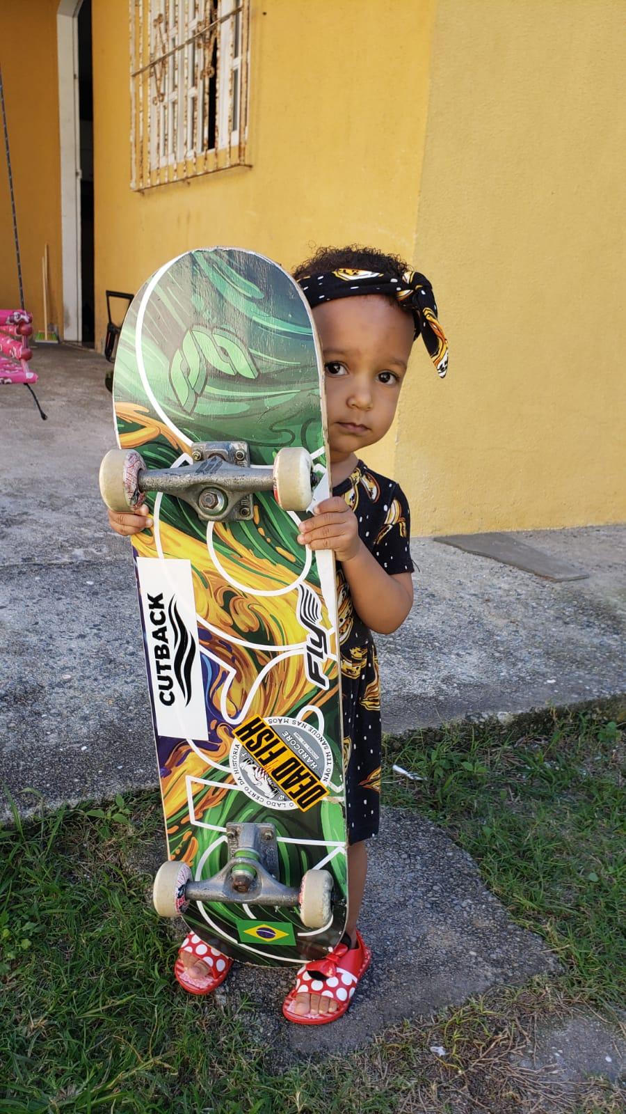 Conheça o skate para meninas. Fadinha